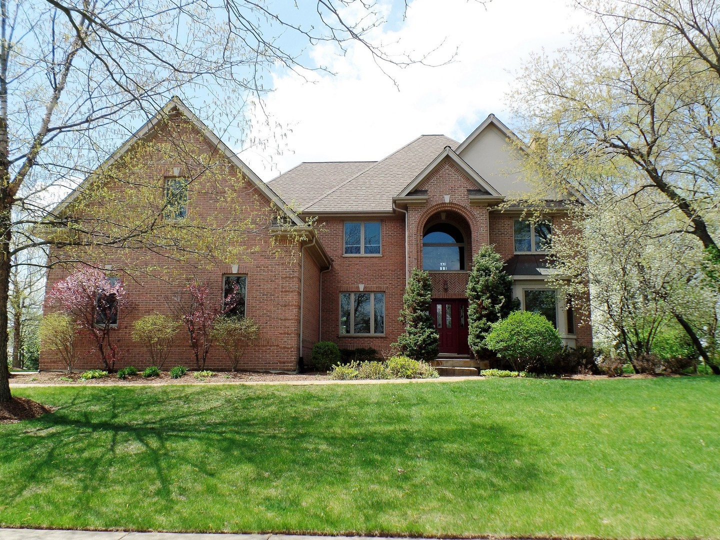 3288 Oak Knoll Road, Carpentersville, IL 60110