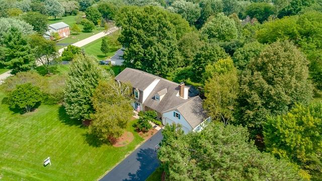 18 Darlington Drive, Hawthorn Woods, Illinois 60047