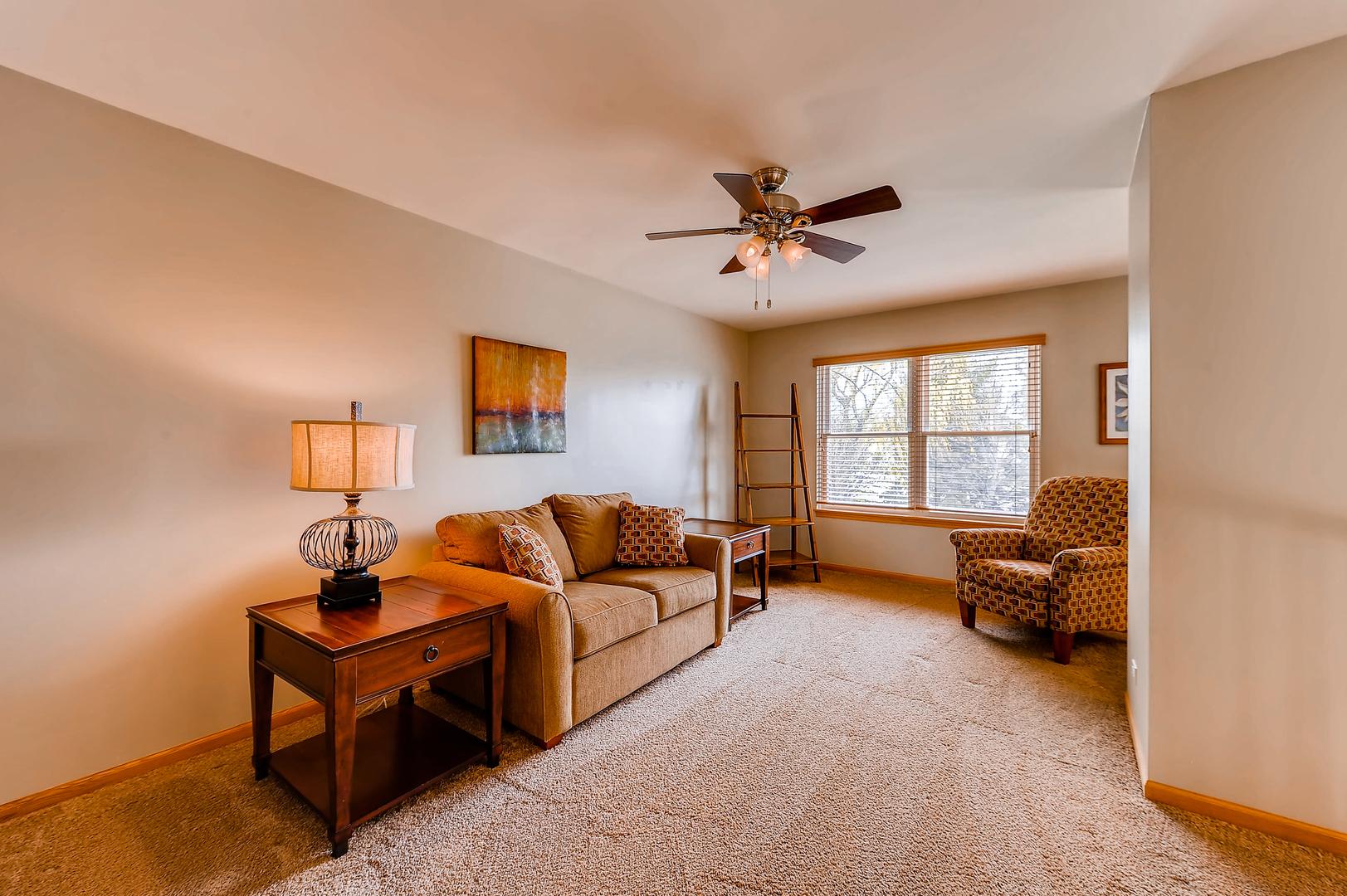 6 Tealwood, ALGONQUIN, Illinois, 60102