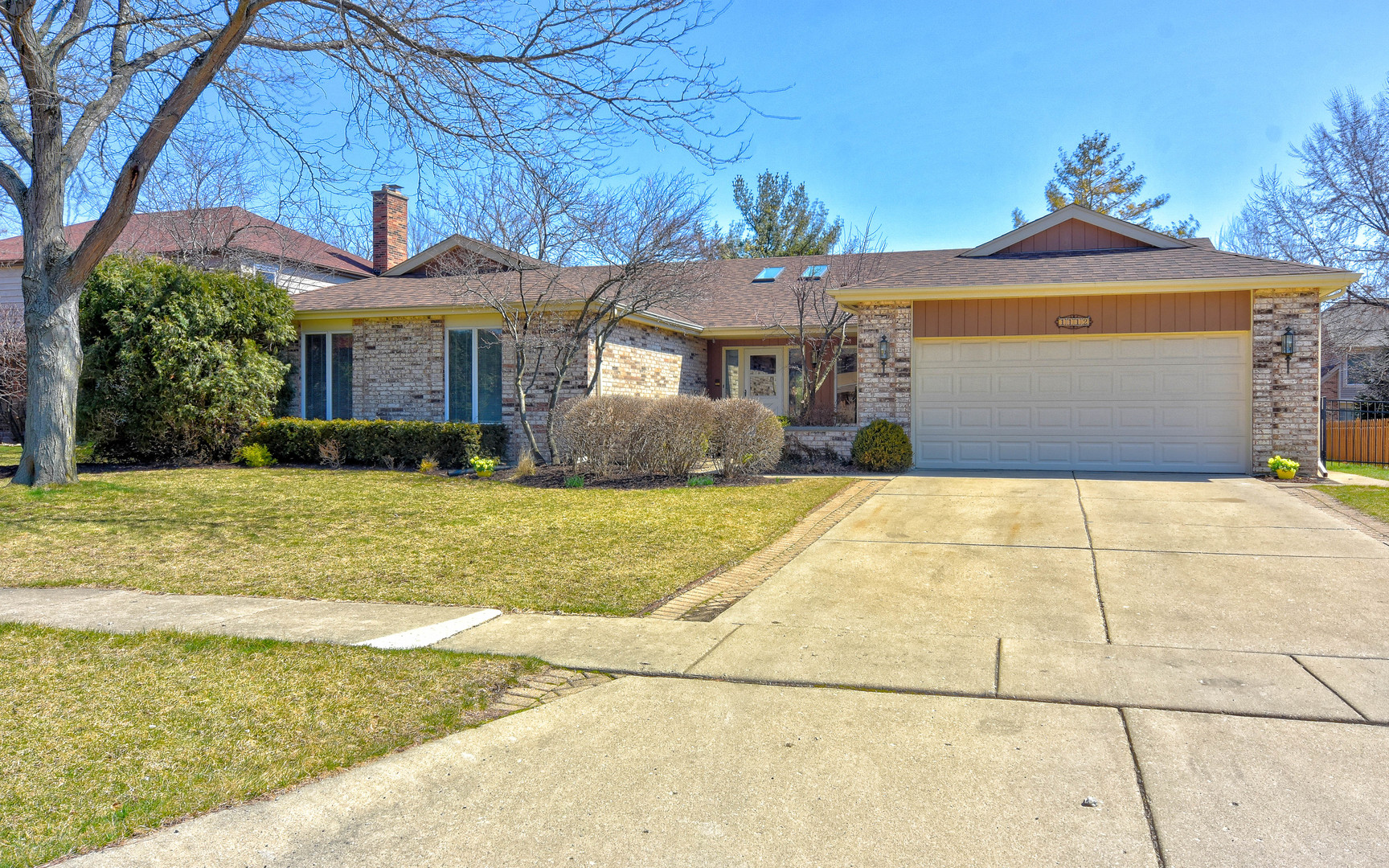 1112 Deborah Circle, Libertyville, Illinois 60048
