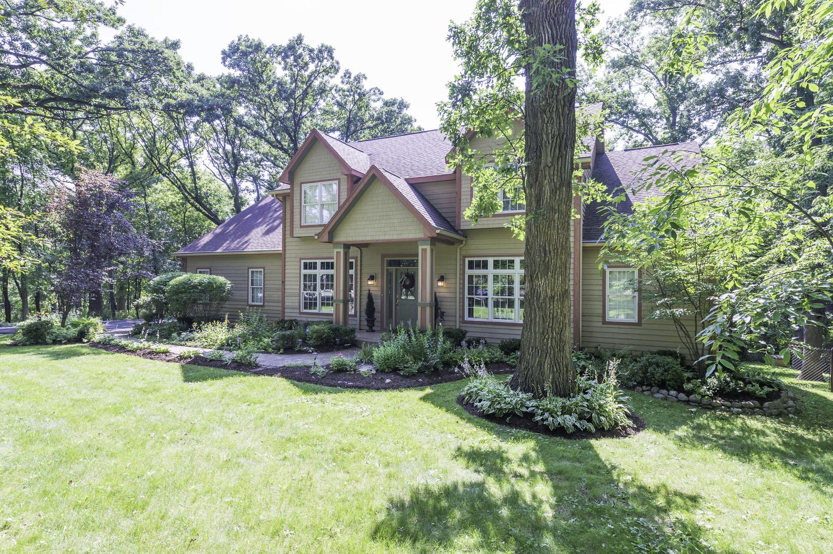 24400 North Echo Lake Road, Hawthorn Woods, Illinois 60047