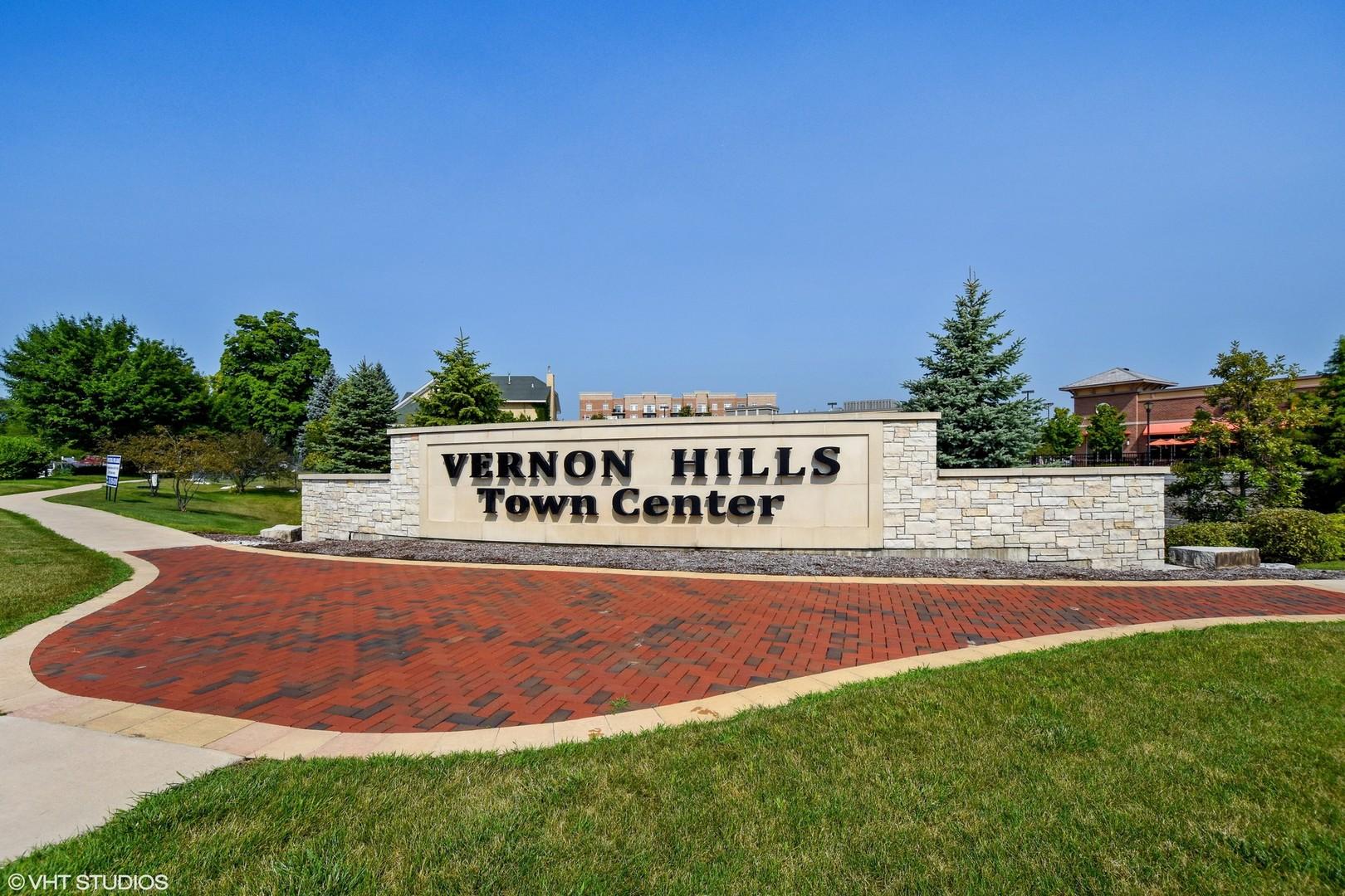 1199 East Port Clinton 309, Vernon Hills, Illinois, 60061