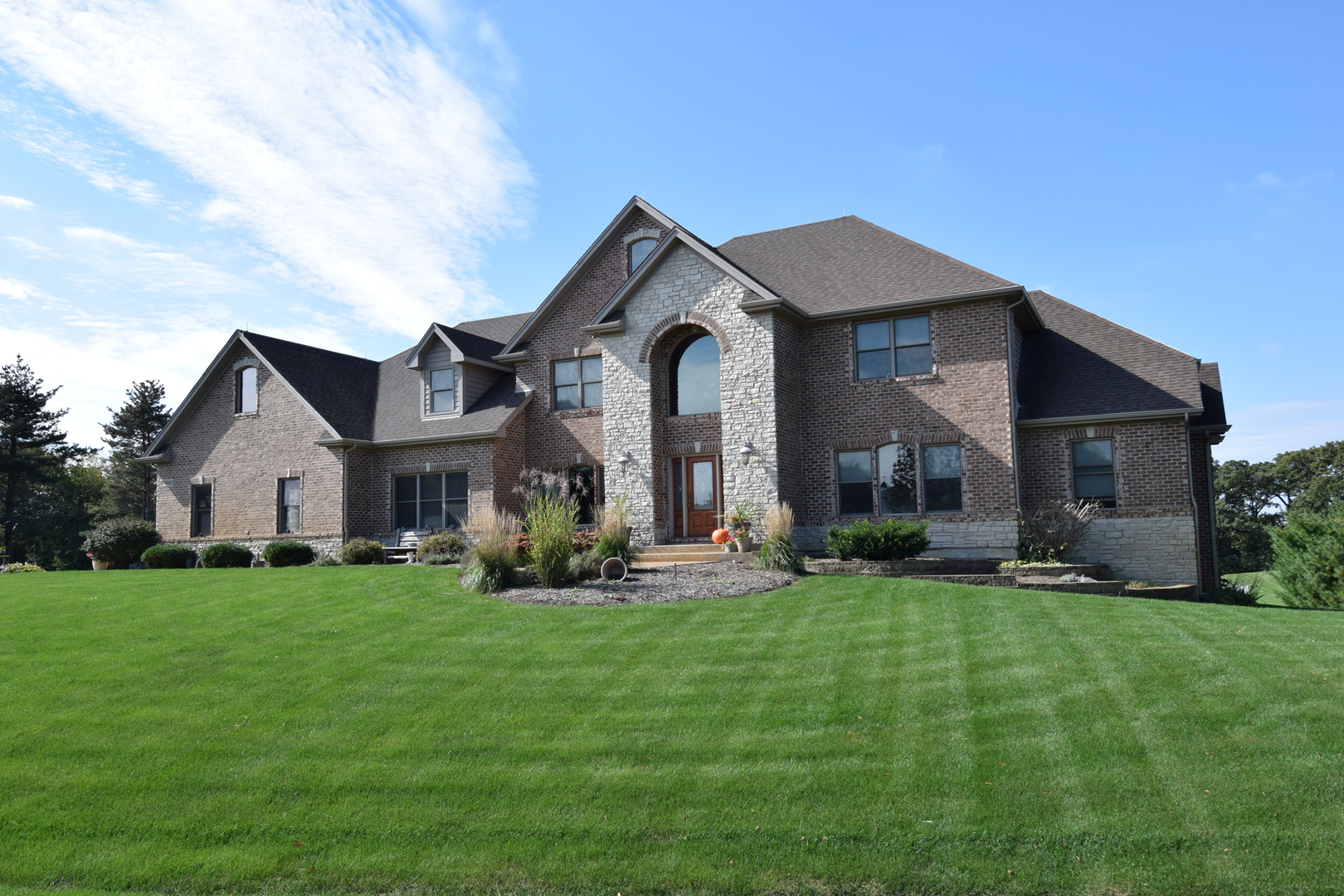 10N022 Muirhead, Elgin, Illinois, 60124