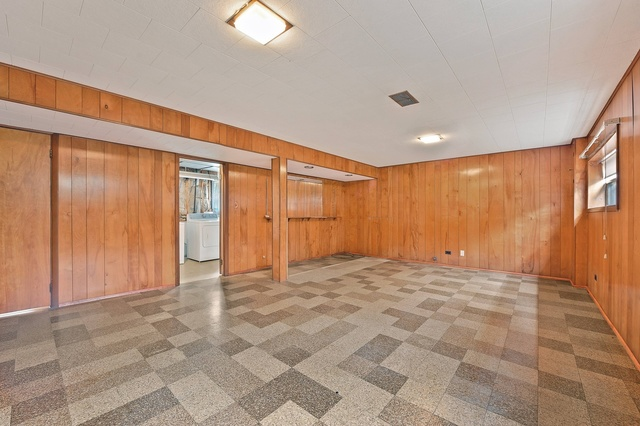 231 Michael Manor, Glenview, Illinois, 60025