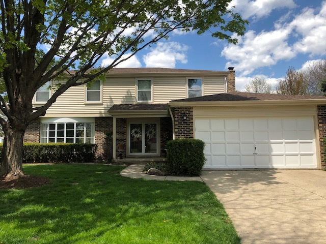 1138 Weeping Willow Lane, Libertyville, Illinois 60048