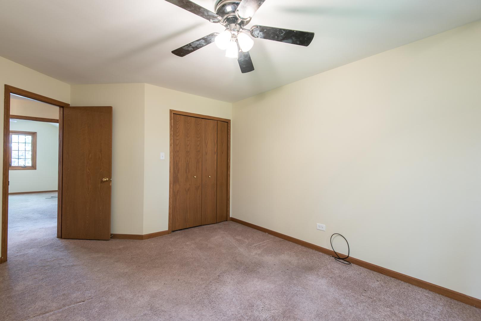 18 Meagan, LEMONT, Illinois, 60439
