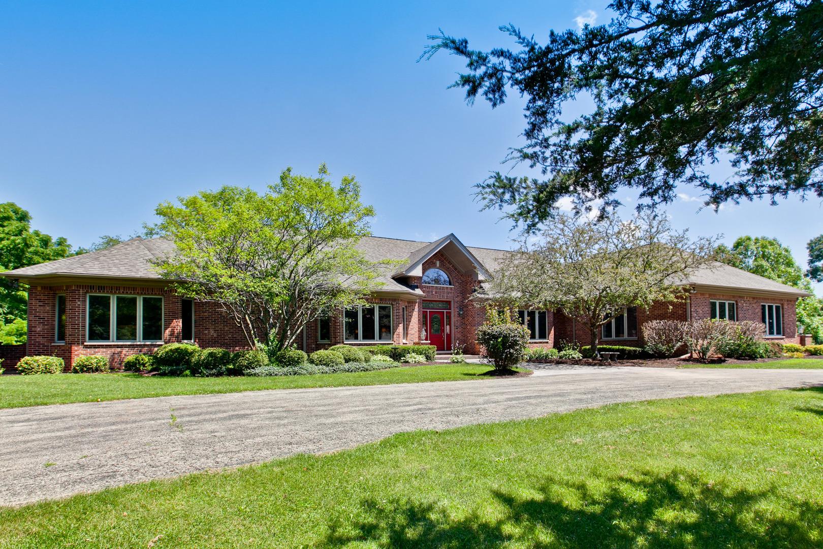 11302 Siedschlag Road, Spring Grove, Illinois 60081