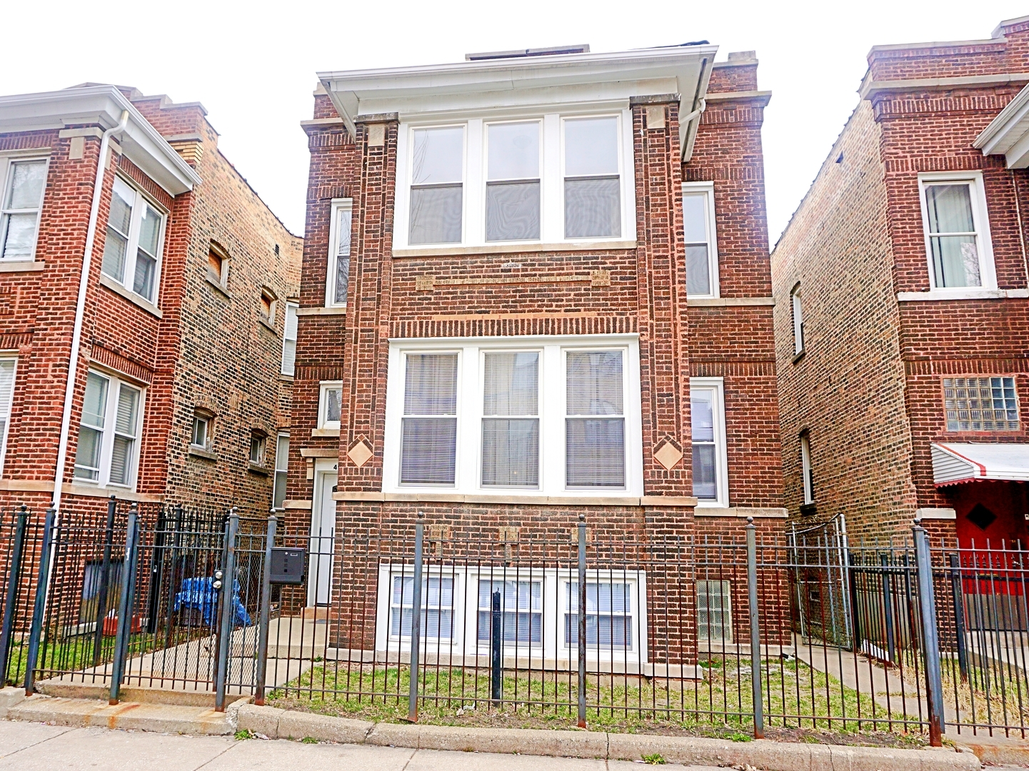 West Monroe St., CHICAGO, IL 60644