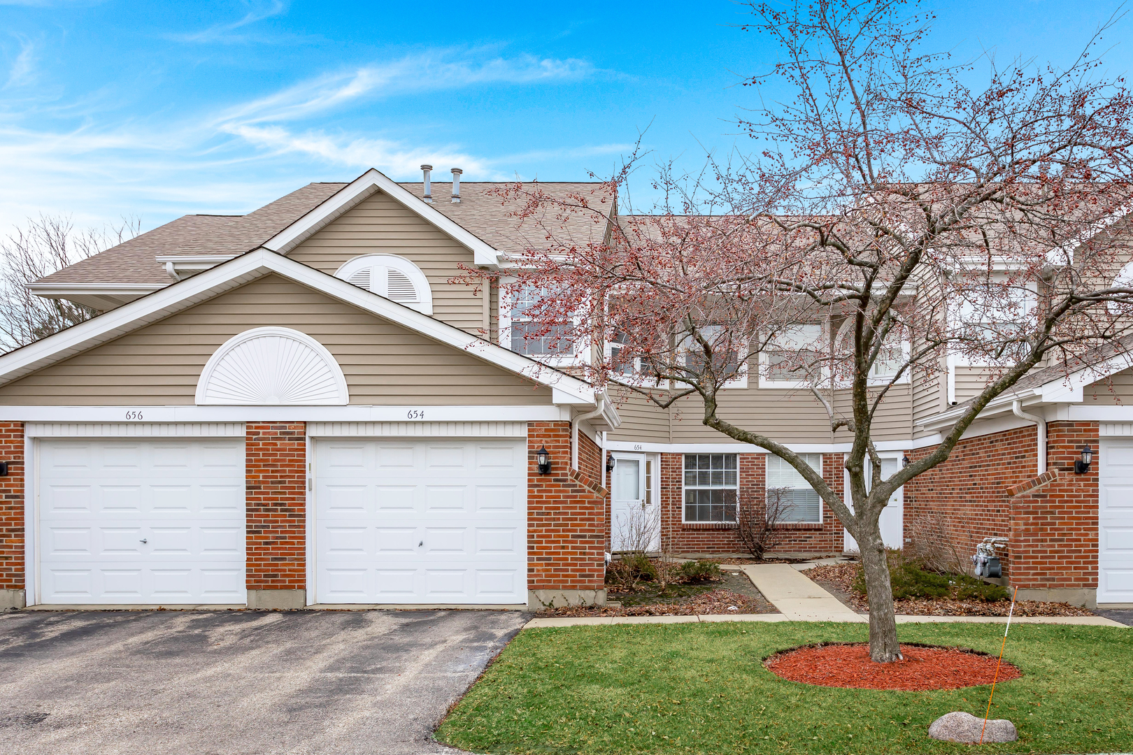 654 W Happfield Drive, Unit 1919c, Arlington Heights, Il 60004