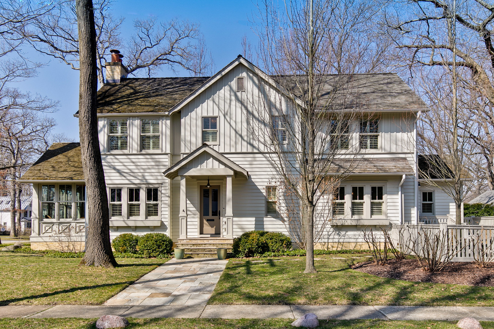 624 East Prospect Avenue, Lake Bluff, Illinois 60044