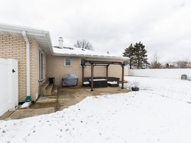 8216 Crestview, Willow Springs, Illinois, 60480