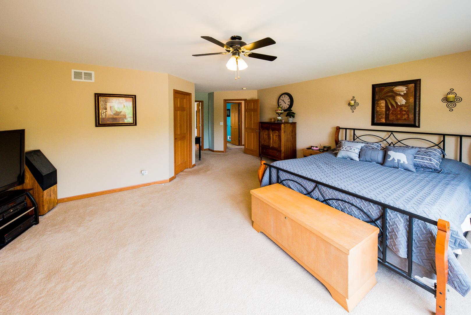241 Johnson, Hampshire, Illinois, 60140