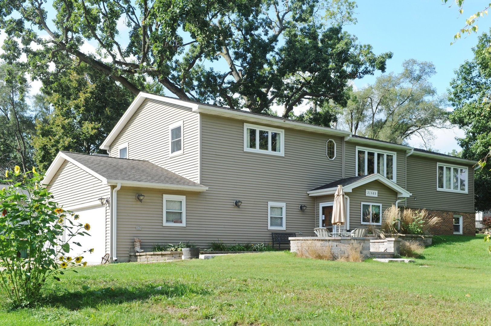 21589 West Maurine Drive, Lake Villa, Illinois 60046