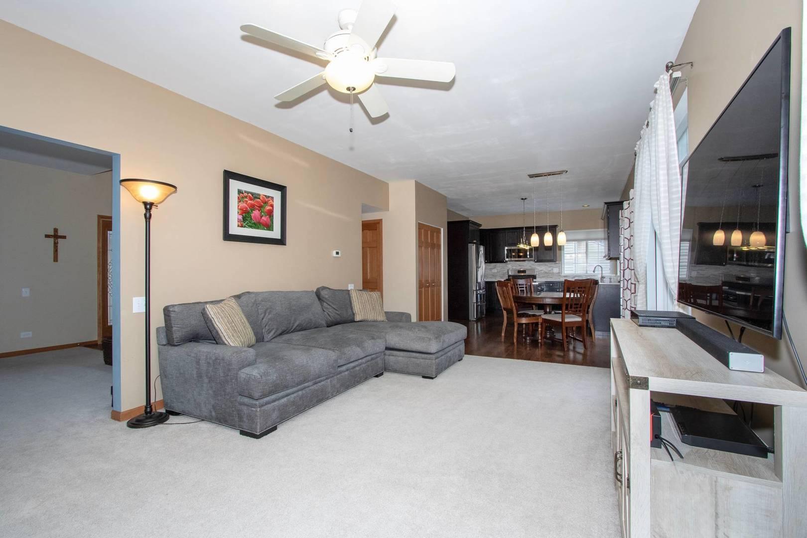 532 ROSE, BARTLETT, Illinois, 60103