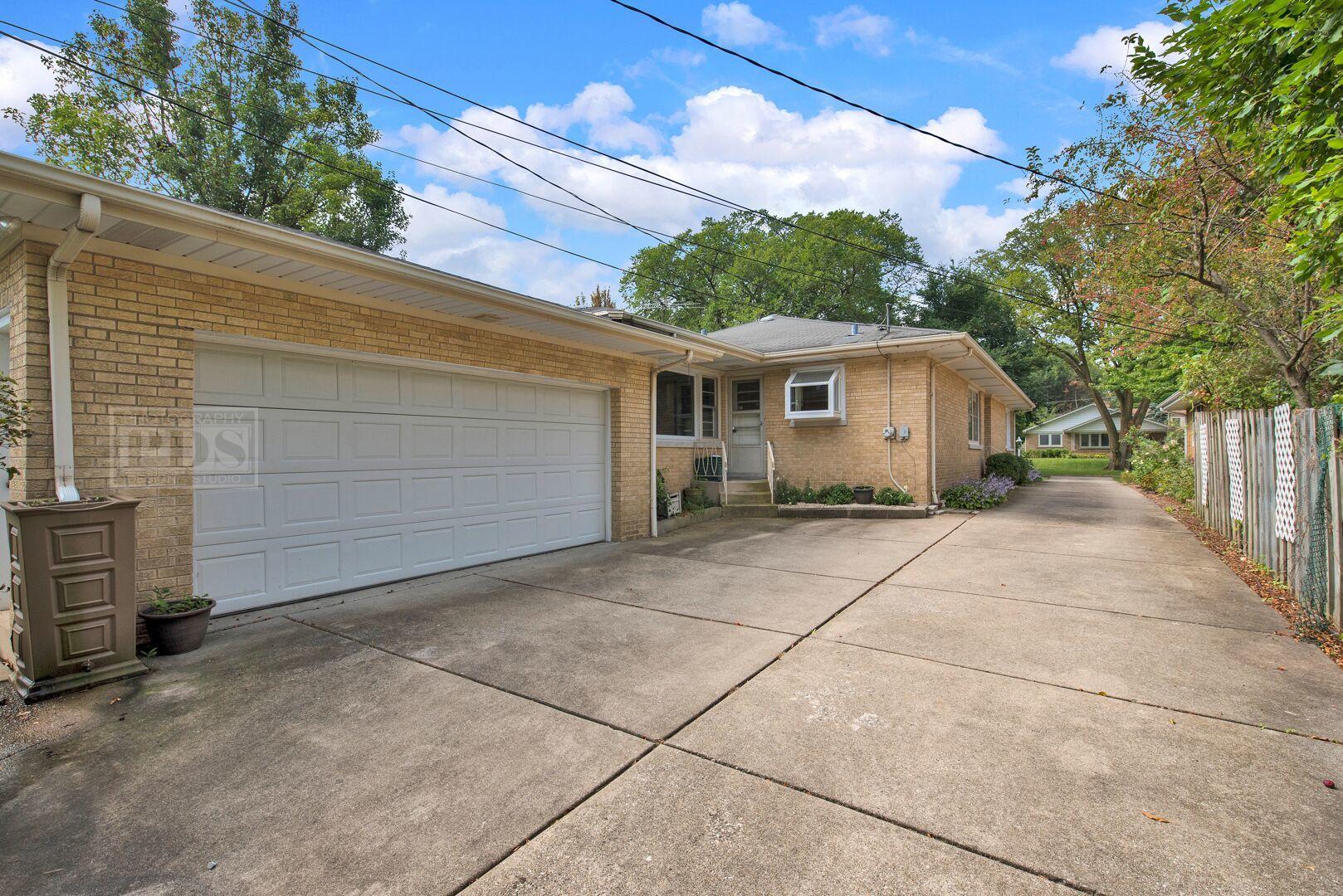 1011 South Waiola, La Grange, Illinois, 60525