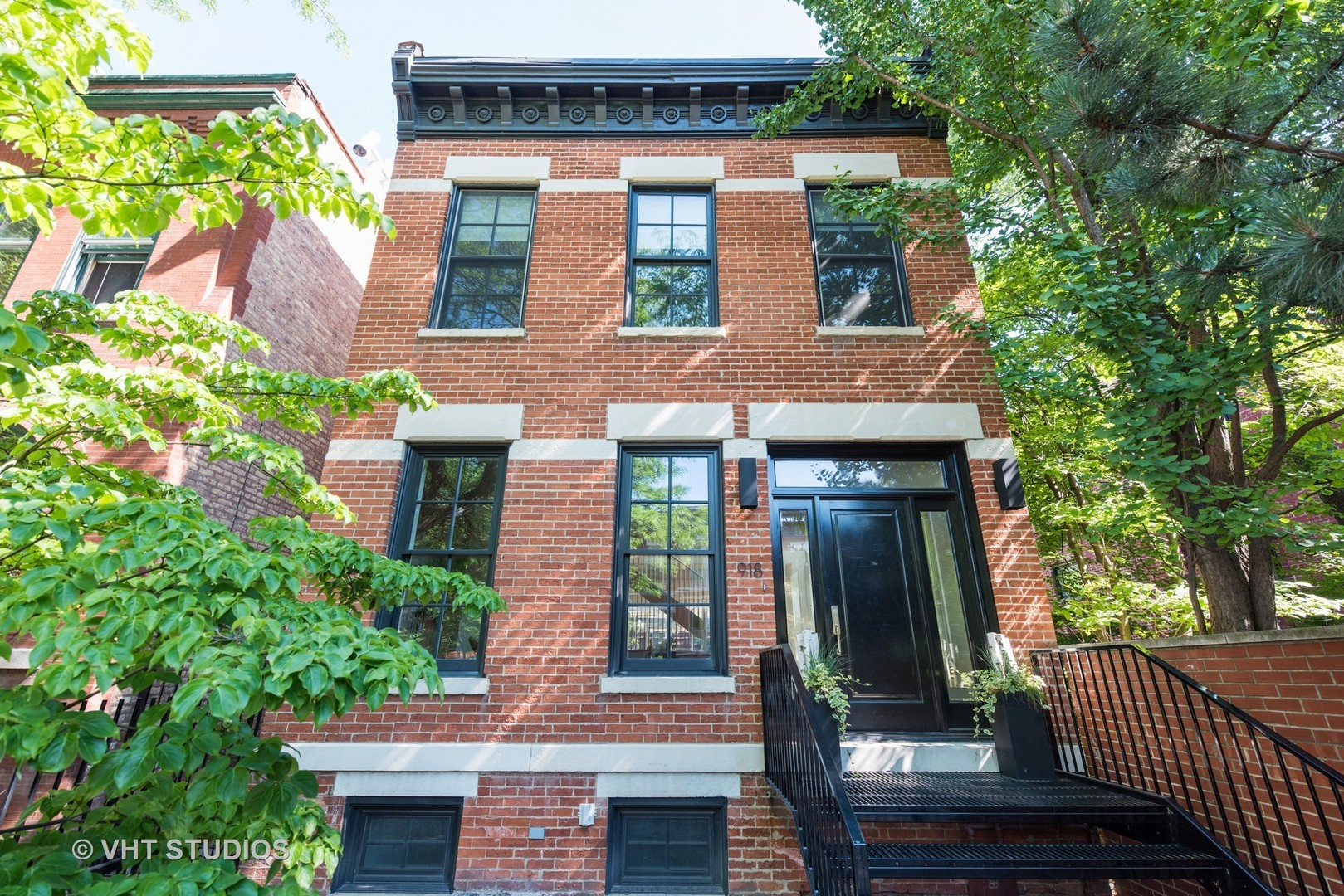 Property for sale at 918 West Webster Avenue, Chicago-Lincoln Park,  IL 60614