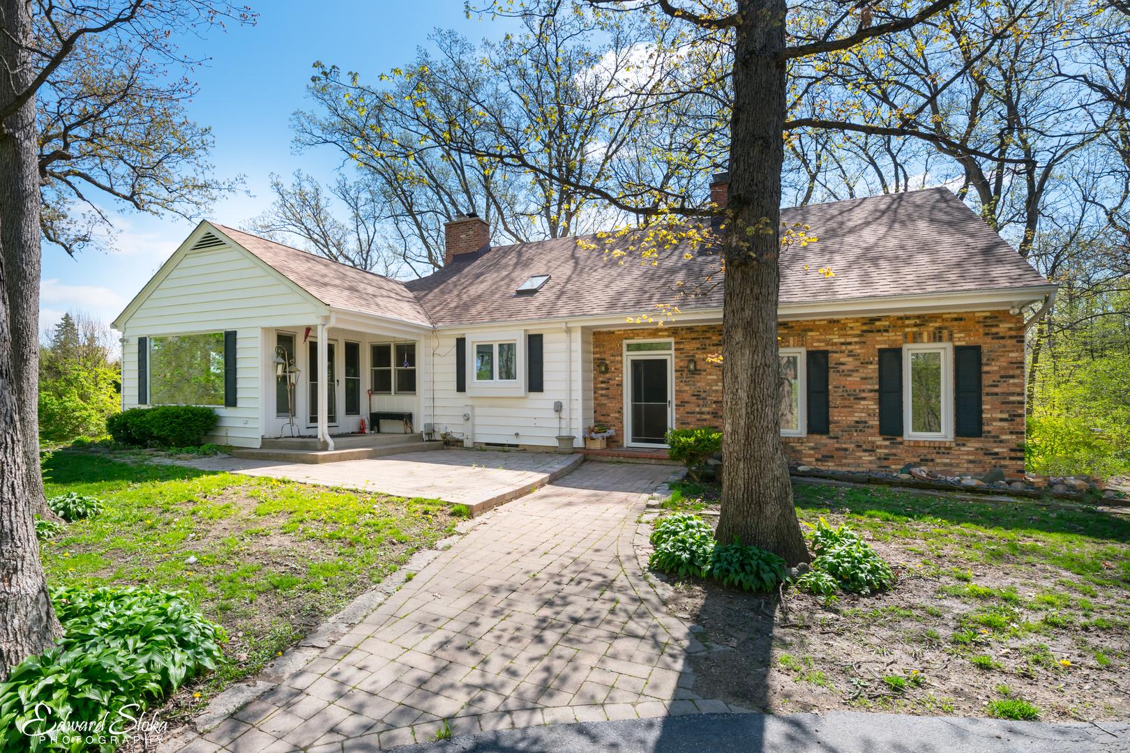 79 Brinker Road, Barrington Hills, Illinois 60010