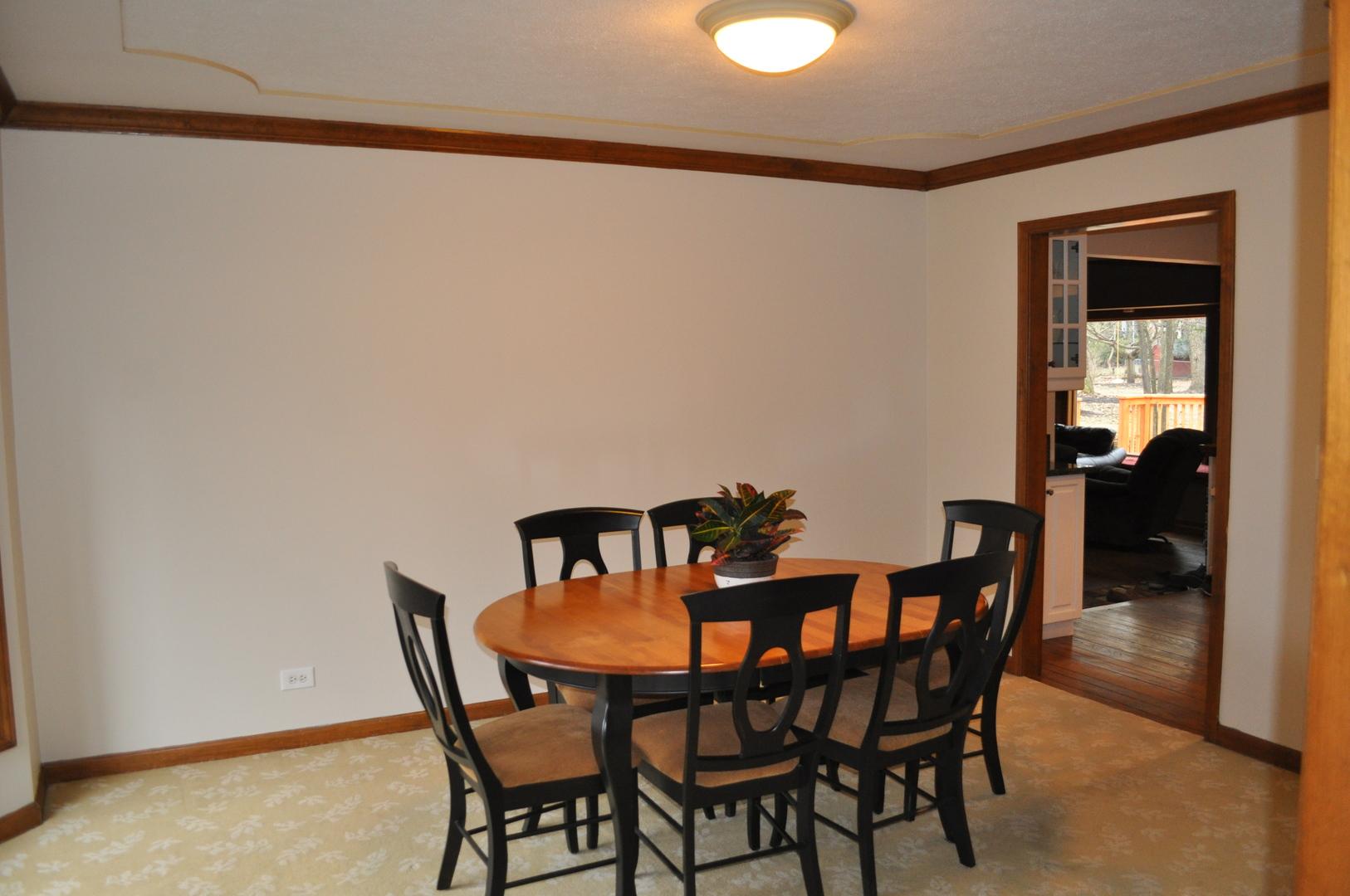 173 GREEN LEAF, Oak Brook, Illinois, 60523