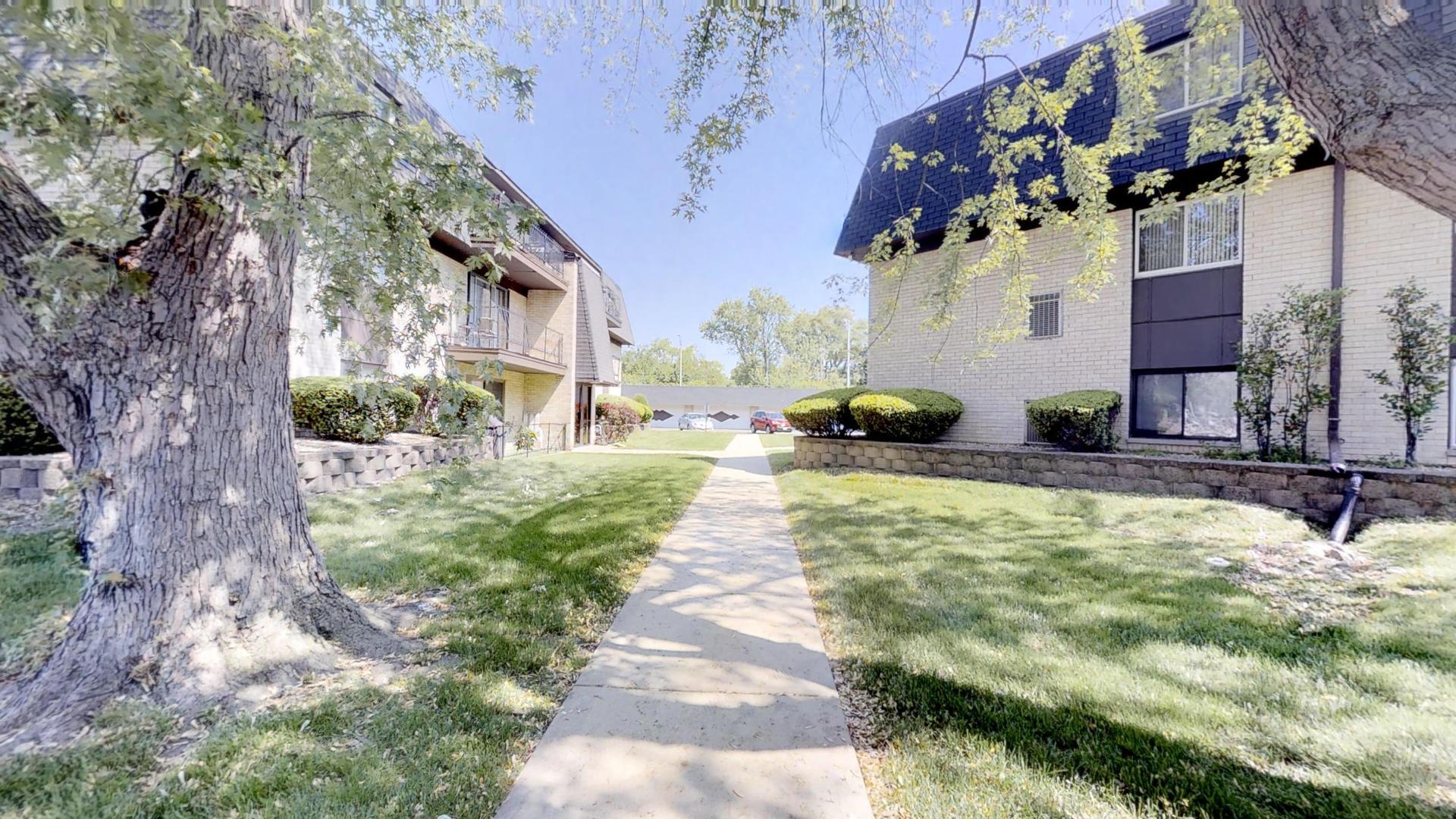 11109 South 84th 3B, Palos Hills, Illinois, 60465