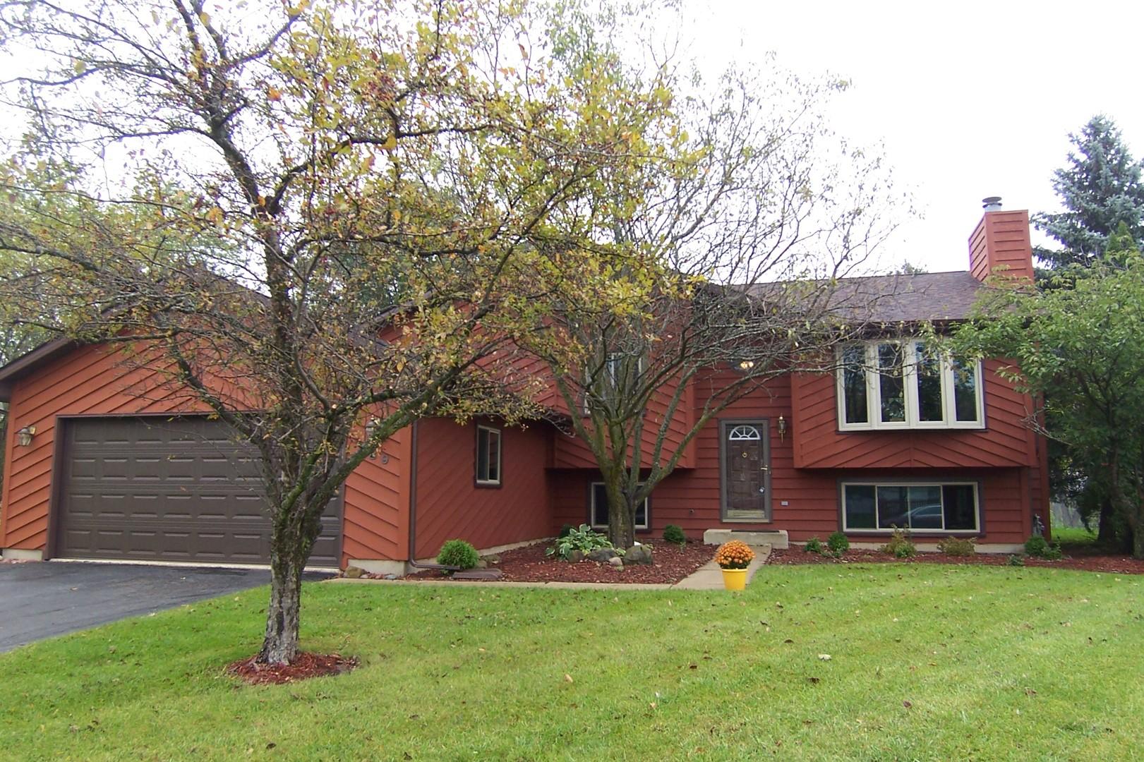 589 Colony Avenue, Lindenhurst, Illinois 60046