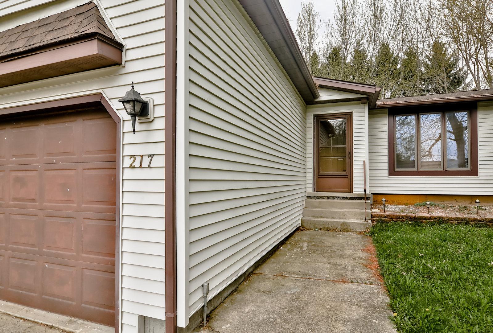 217 Briarcliff, Poplar Grove, Illinois, 61065