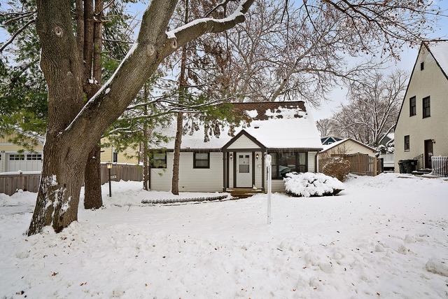 414 Windsor Terrace, Libertyville, Illinois 60048