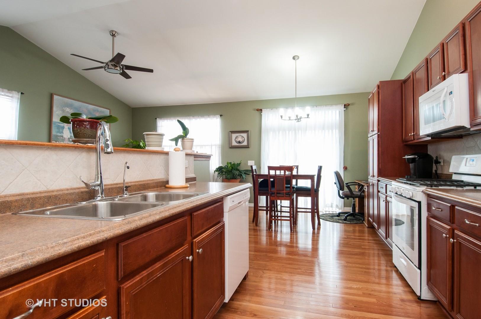 800 Frieder, Aurora, Illinois, 60504