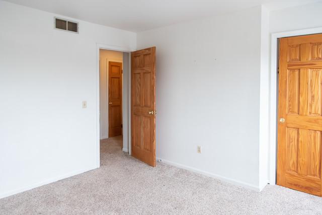 1684 Shamrock 1684, AURORA, Illinois, 60505
