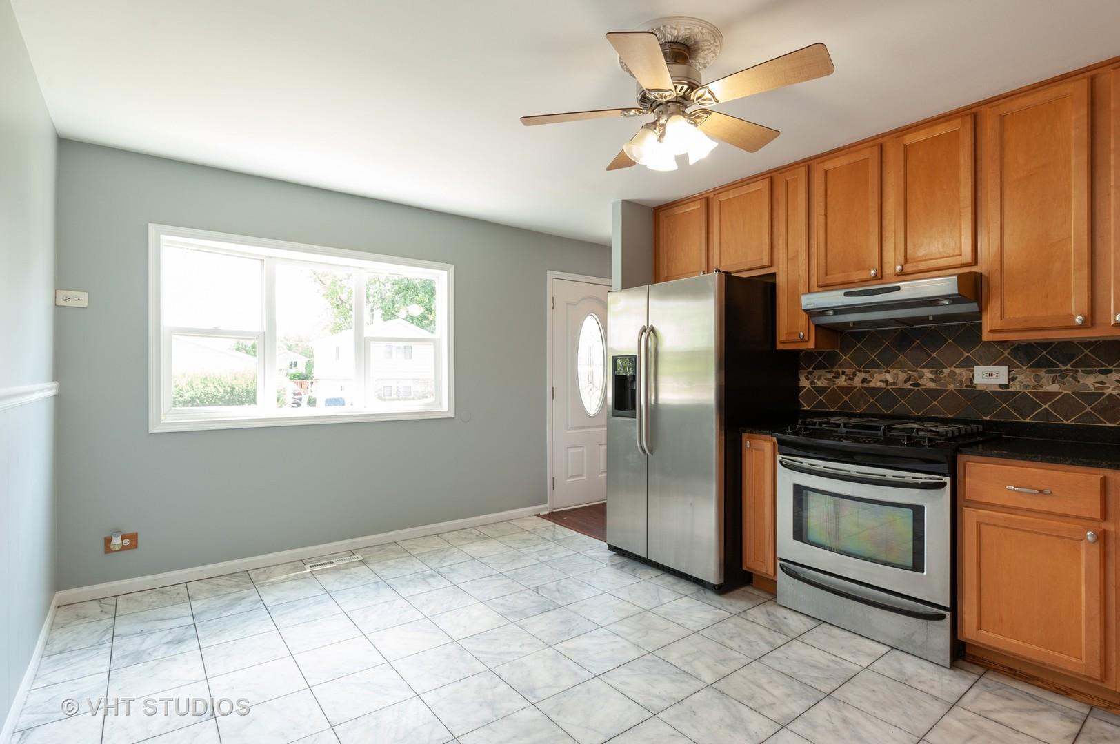 1630 North Oak, ROUND LAKE BEACH, Illinois, 60073