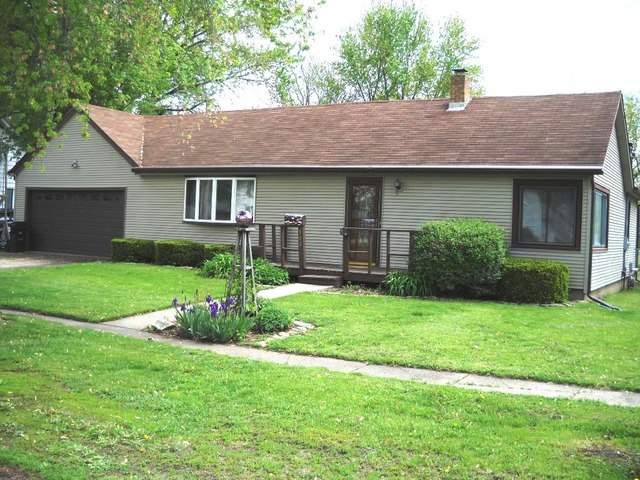 303 Fisher, Henry, IL 61537