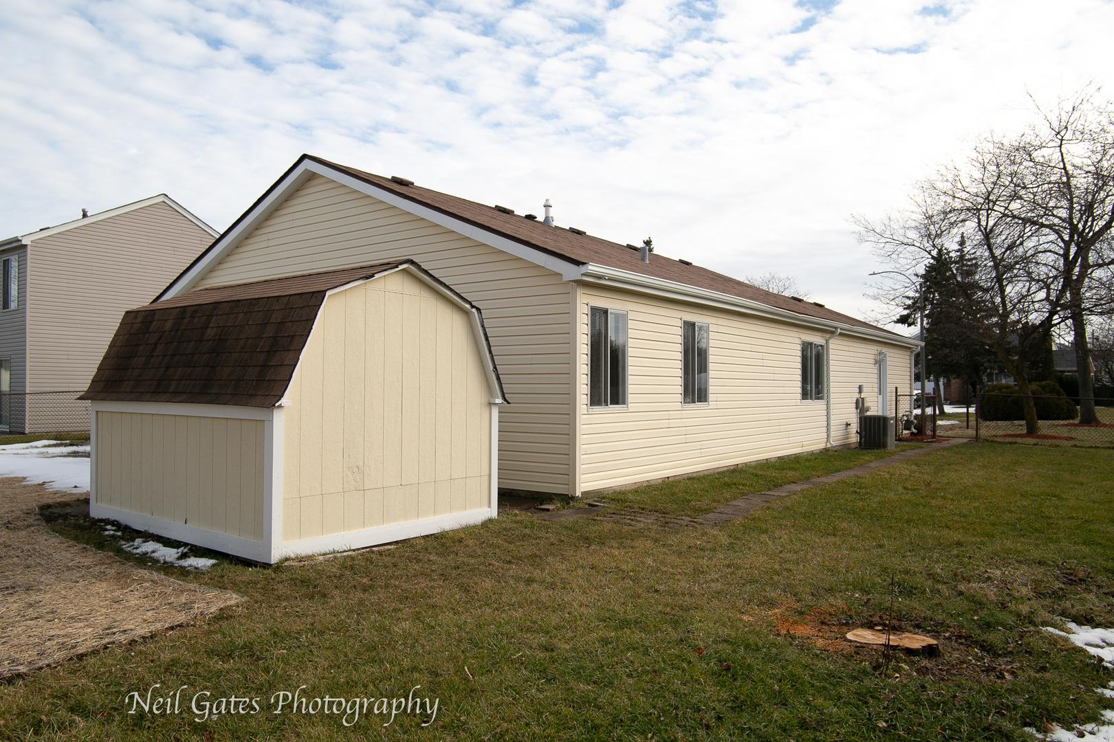 861 Plains, Carol Stream, Illinois, 60188