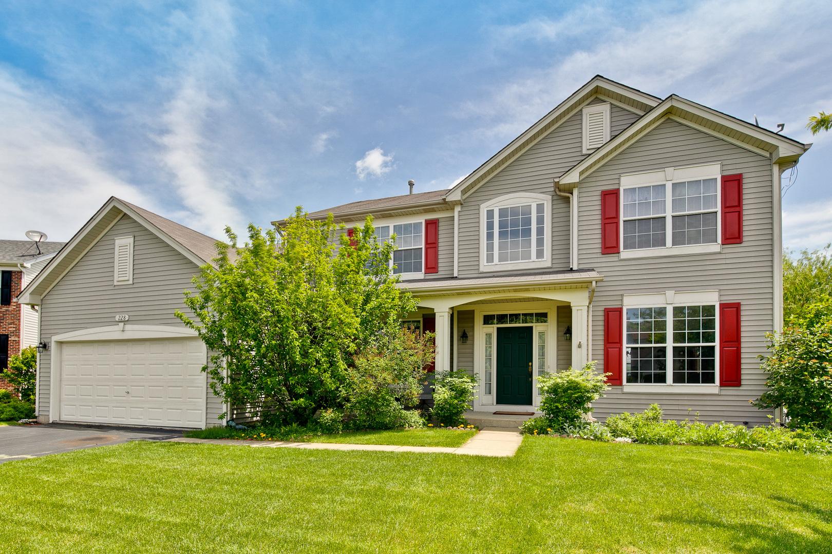 228 Thrush Circle, Lindenhurst, Illinois 60046
