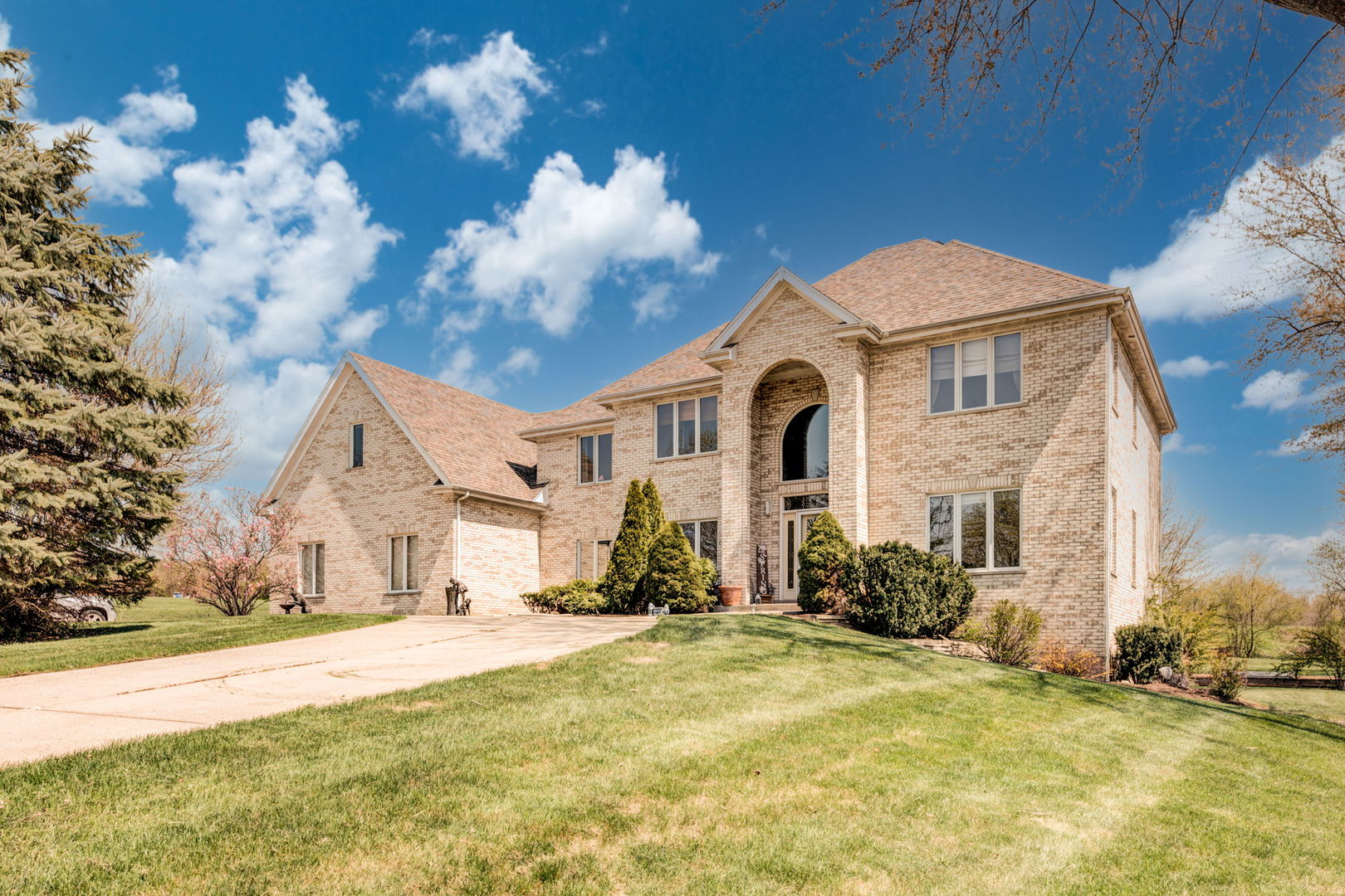 169 Sycamore Drive, Hawthorn Woods, Il 60047