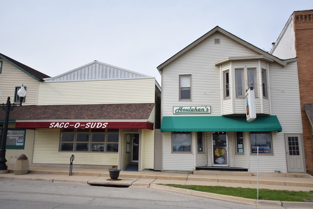 208 W Lincoln Highway, Waterman, IL 60556