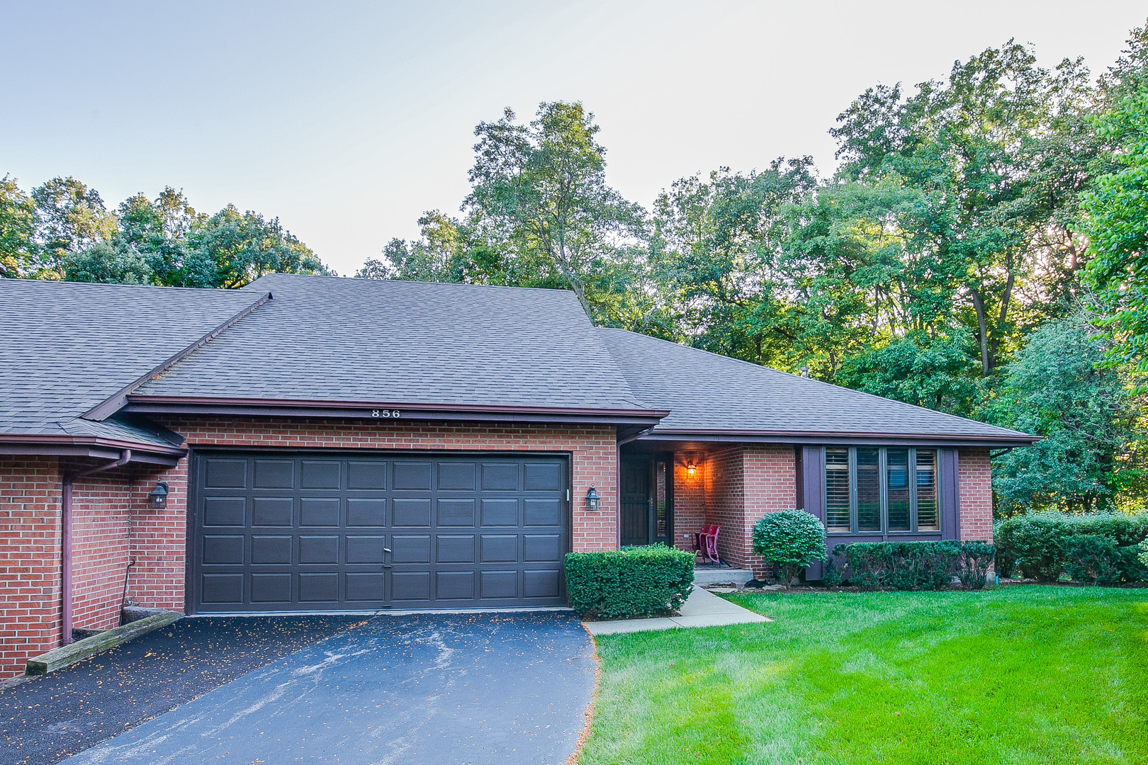 856 Kristin Court, Gurnee, Illinois 60031