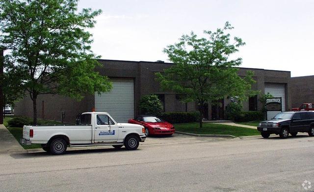 805-07 Albion Avenue, Schaumburg, IL 60193