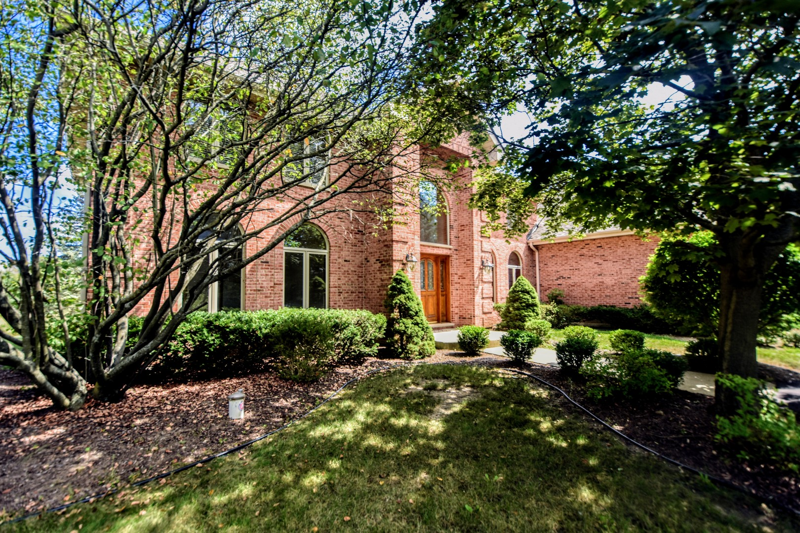 16 Greenbriar Lane, Hawthorn Woods, Illinois 60047