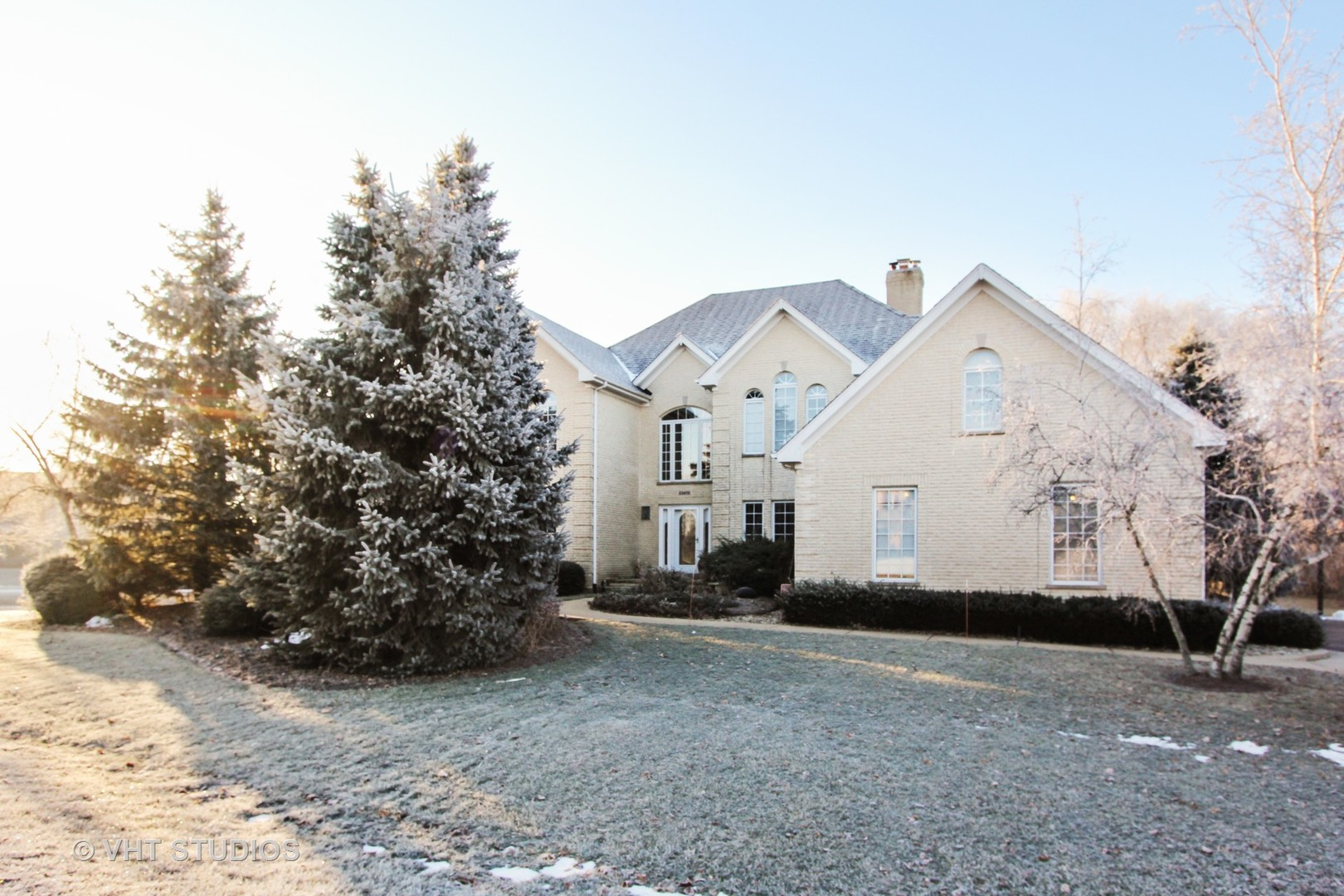 23475 West Newhaven Drive, Hawthorn Woods, Illinois 60047