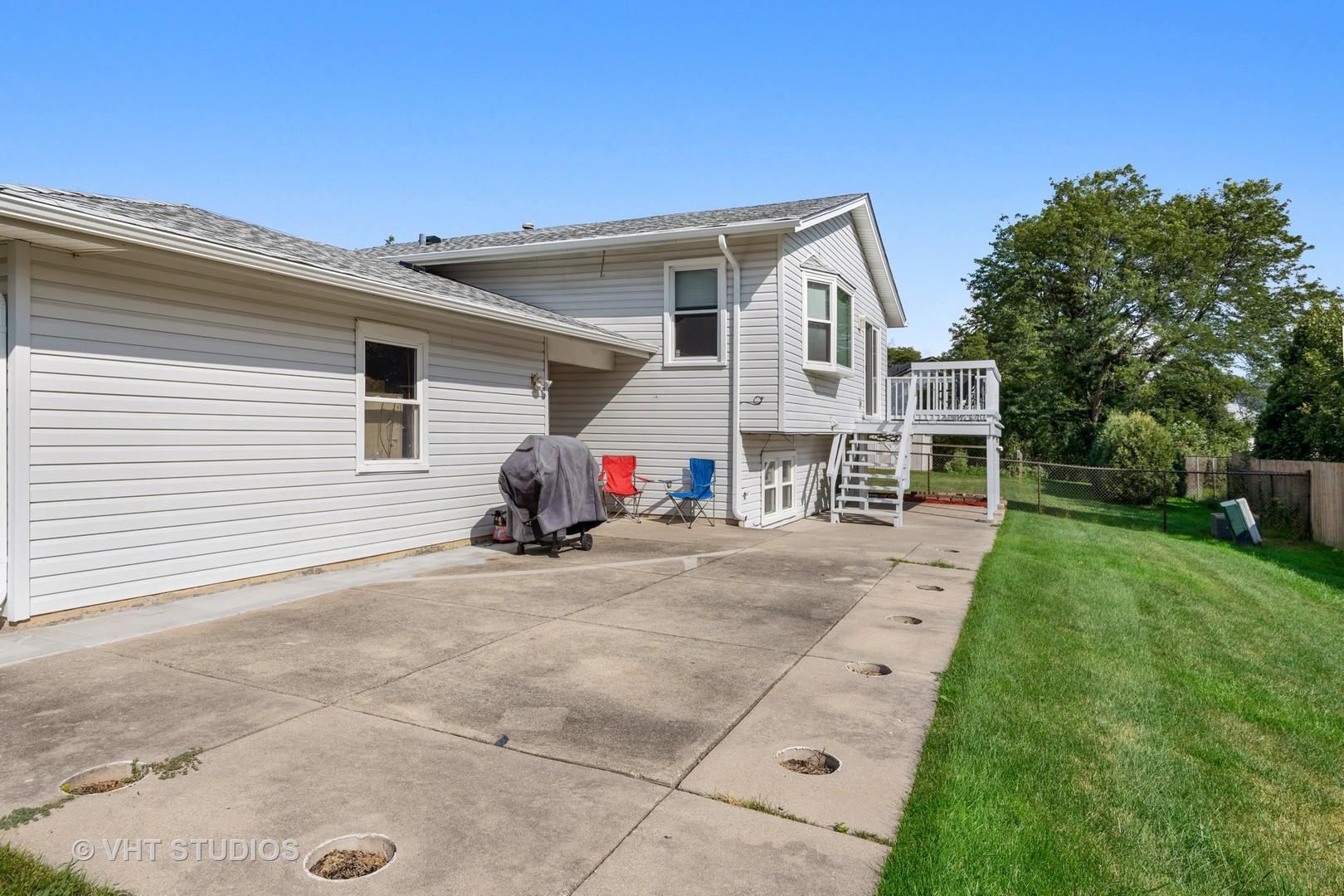 1040 Arkansas, ELK GROVE VILLAGE, Illinois, 60007
