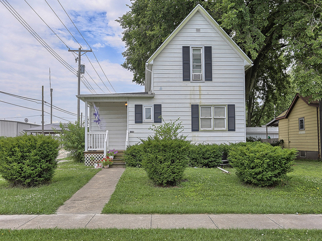 112 W Pine Street, Paxton, IL 60957