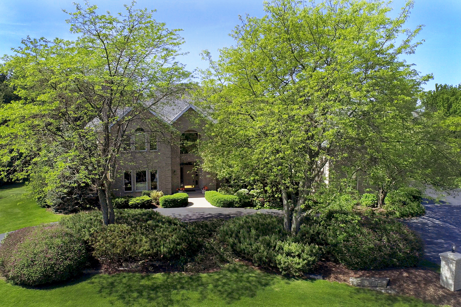 28 Copperfield Drive, Hawthorn Woods, Illinois 60047