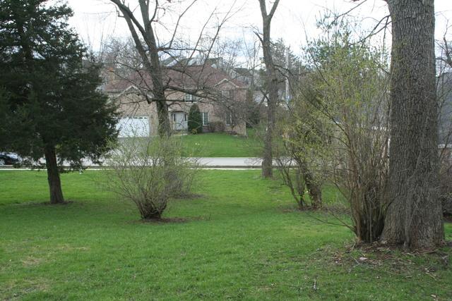 420 LAKE SHORE Boulevard, Wauconda, IL 60084