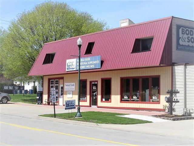 Property for sale at 320 West Illinois Avenue, Morris,  IL 60450