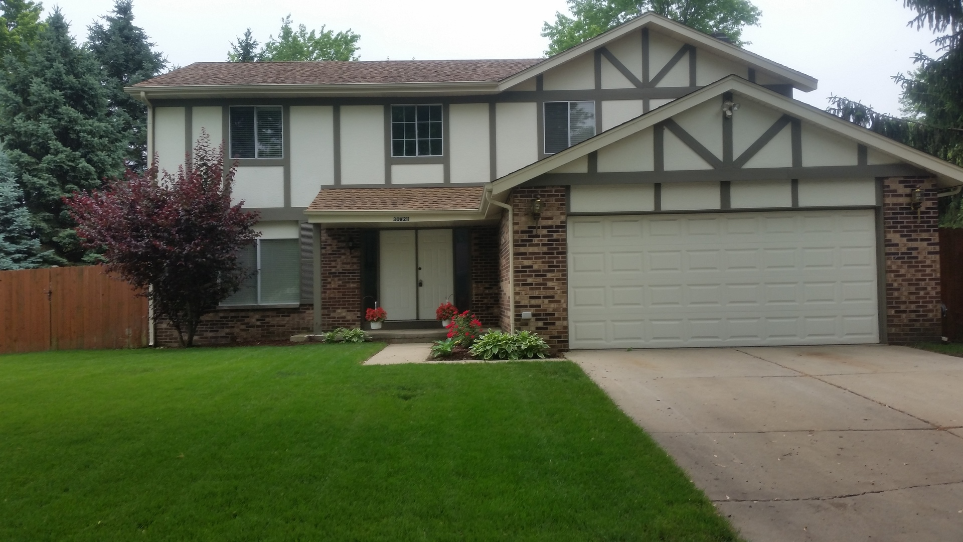 30w211 Leominster Court, Warrenville, Illinois 60555
