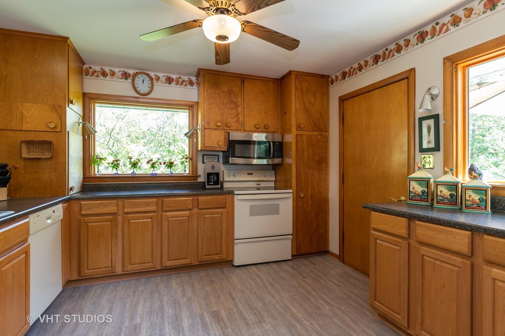 324 WOODLAND, Grayslake, Illinois, 60030