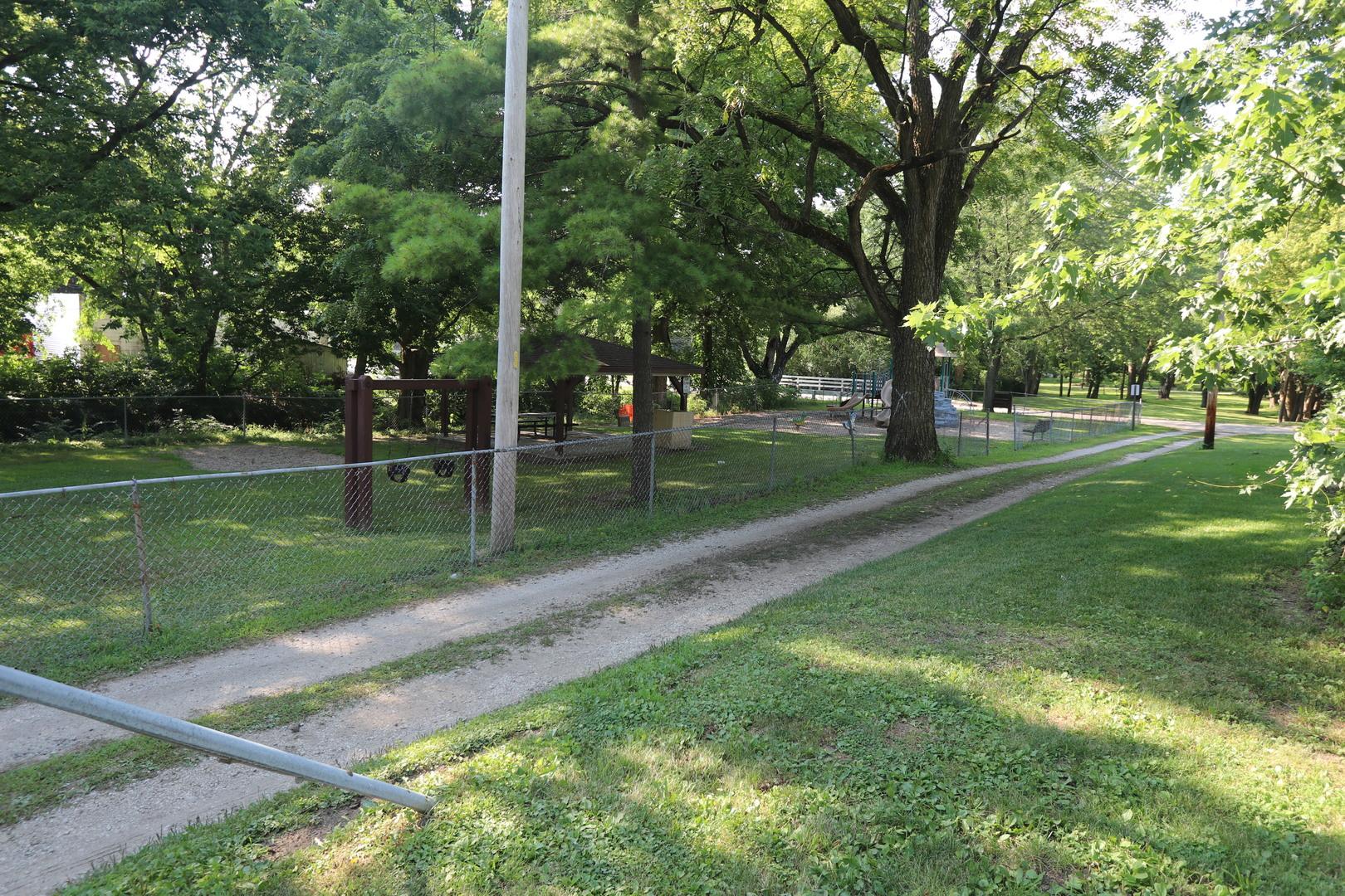 105 South Harrison, Sidney, Illinois, 61877