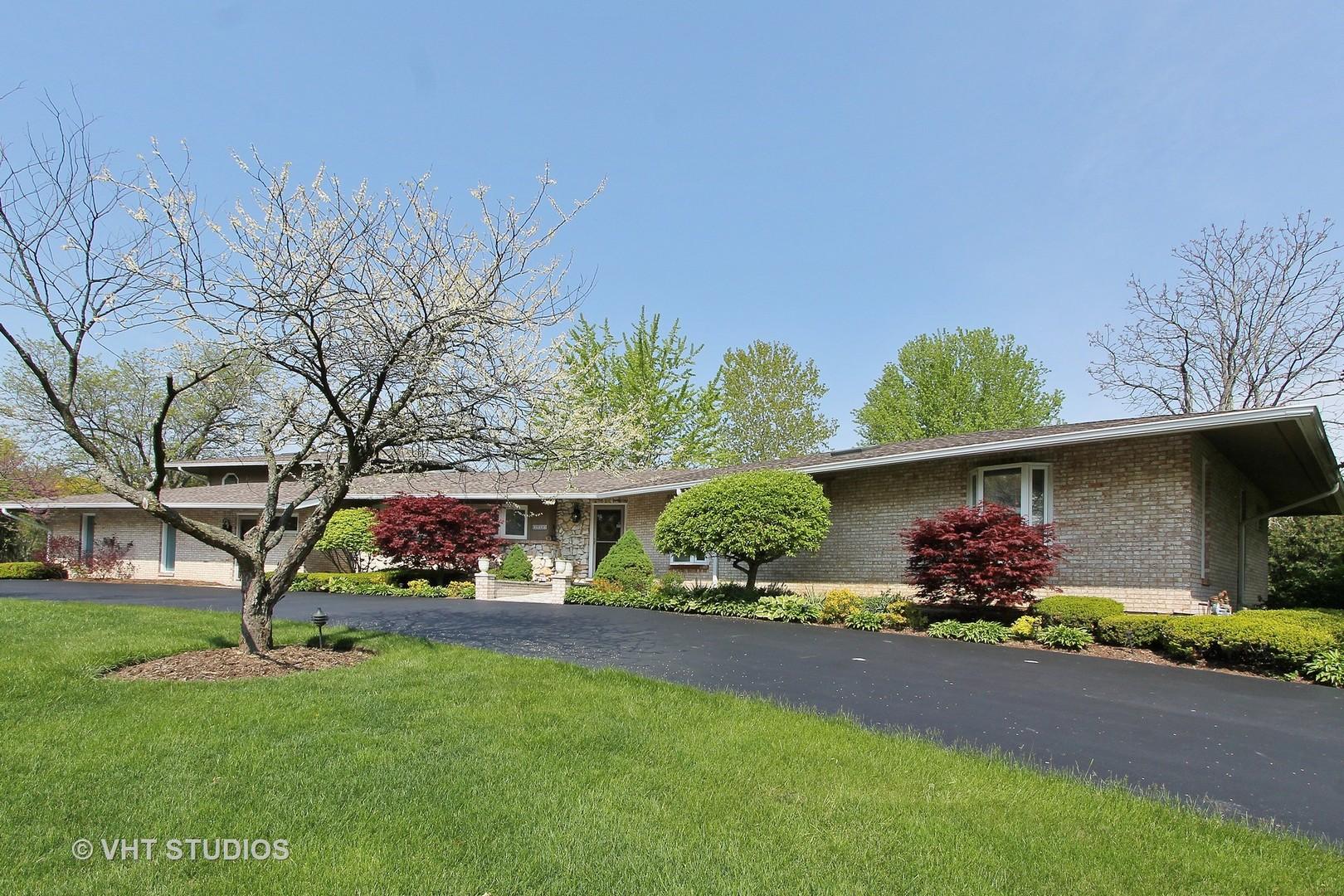 29W420 Garden Drive, Bartlett, IL 60103