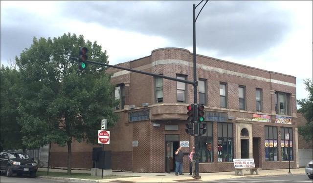 3754 W Armitage Avenue, Chicago, IL 60647