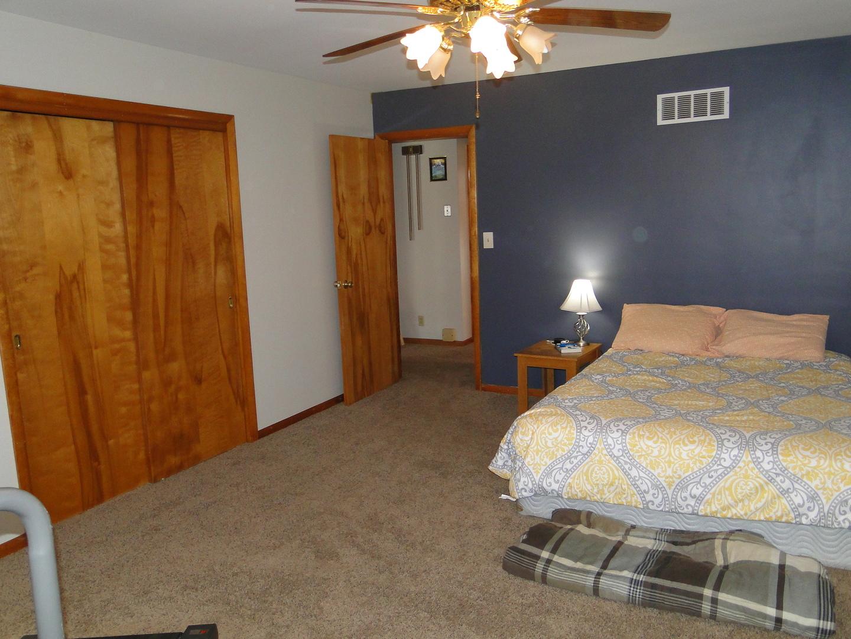 125 South Oak Acre, MARTINTON, Illinois, 60951