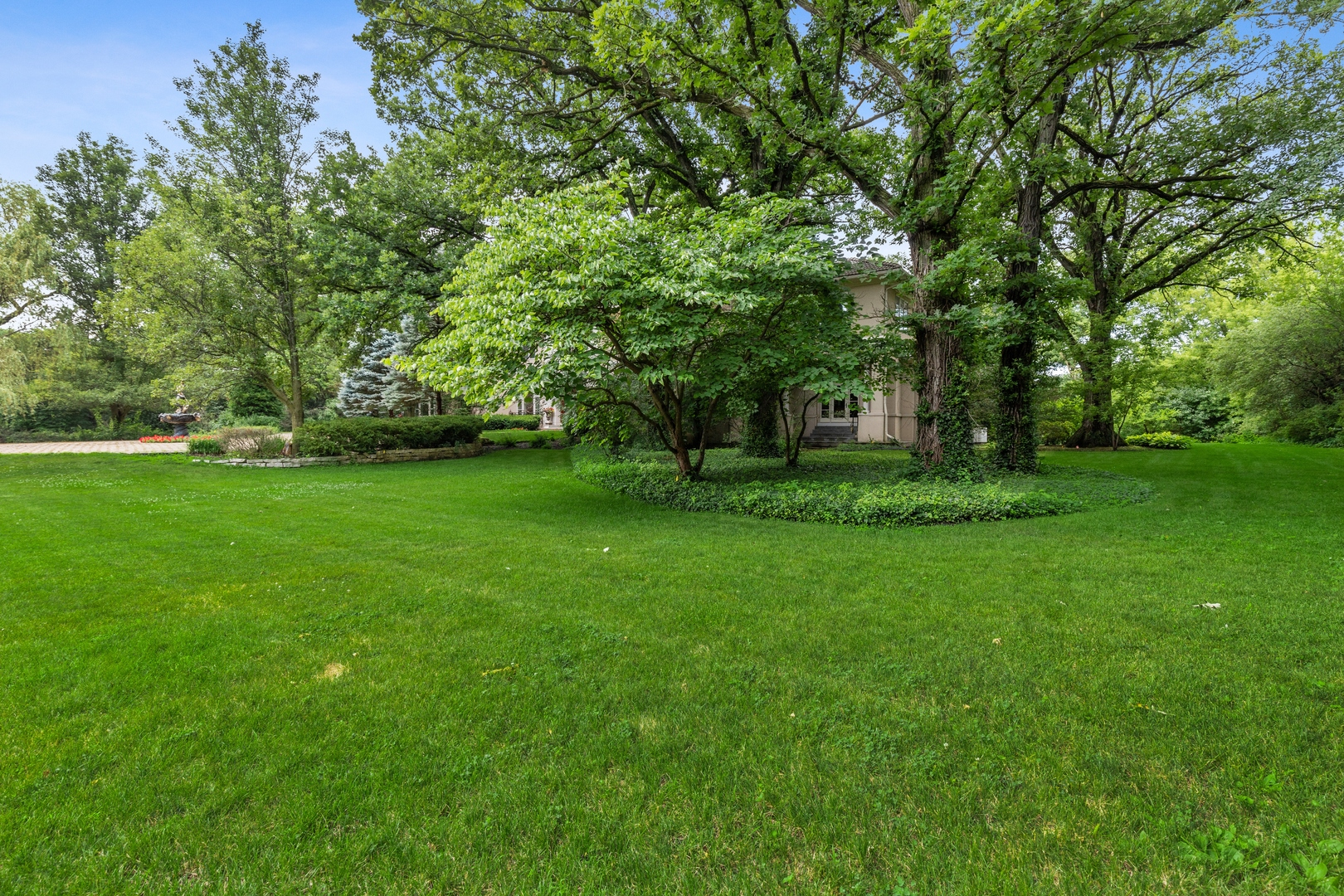 10 West Westleigh, Lake Forest, Illinois, 60045